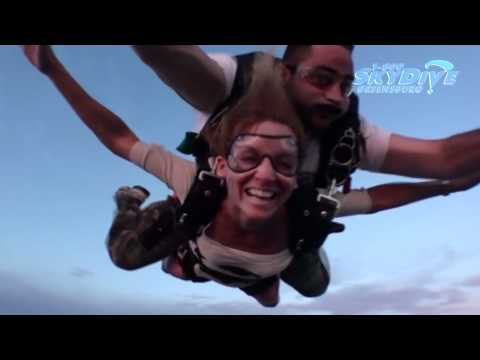 Lisa Lubbers's Tandem skydive!