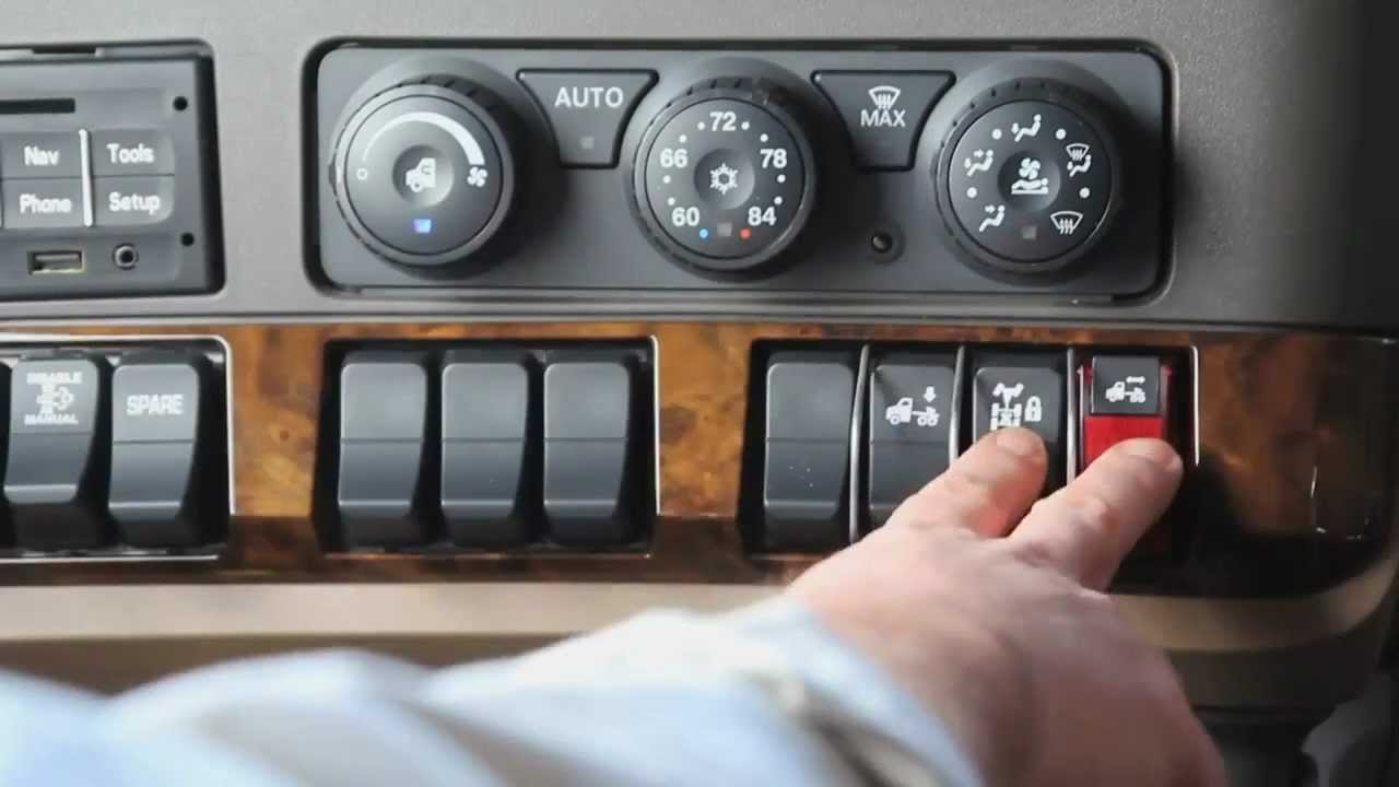 maxresdefault truck 2013 kenworth t680 part 2 youtube 2016 kenworth t680 fuse box diagram at love-stories.co