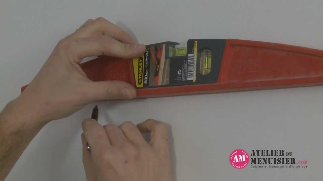 comment poser des meubles de cuisine haut - atelierdumenuisier.com ... - Comment Accrocher Un Meuble De Cuisine Au Mur
