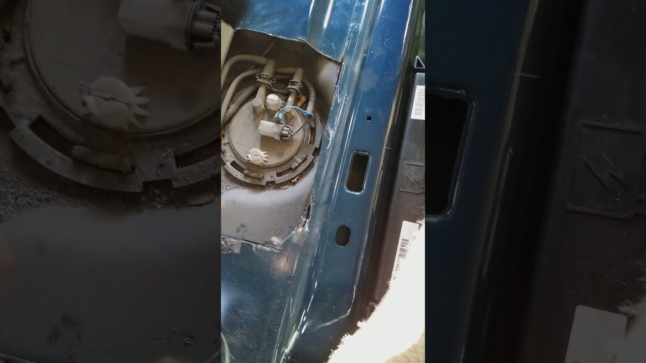 removing the fuel pump for a cadillac cts youtube. Black Bedroom Furniture Sets. Home Design Ideas