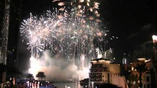 (HD) New Year 2011 - Burj Khalifa Dubai (The best Buiding of Dubai) * Fireworks [HD 720p]