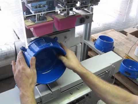 Blue Buffalo 2 color pad, tampon logo printing on plastic bowls swf