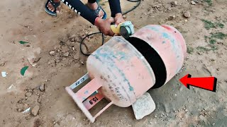 Cutting Gas Cylinder From Grinder || What's Inside A Gas Cylinder || Experiment King