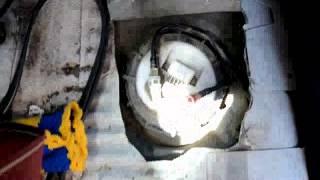 Коротко о замене топливного насоса(бензонасоса) на форд фокус 1(, 2015-08-04T18:11:56.000Z)