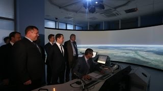 Правительство продолжит субсидировать региональные авиаперевозки(Дмитрий Медведев побывал в новом терминале аэропорта Курумоч в Самаре - одного из крупнейших аэропортов..., 2015-02-24T16:49:25.000Z)