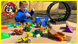 Monster Jam Truck Toys - GRAVE DIGGER Triple Threat Obstacle Course!! (with FREESTYLE HIGHLIGHTS)
