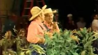 HEE HAW BEHIND SCENES WITH JANET DAVIES  (1979)