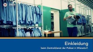 Einkleidung beim Zentraldienst der Polizei in Wünsdorf.