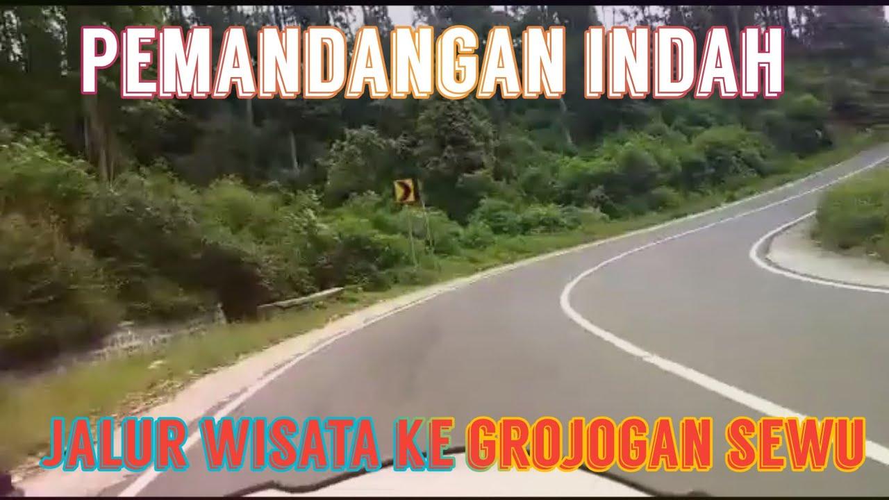 Pemandangan indah jalur menuju wisata Grojogan sewu tawang mangu
