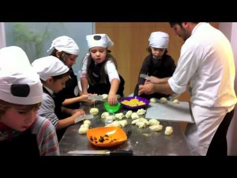 Una clase delcurso cocina para ni os youtube for Cocina para ninos