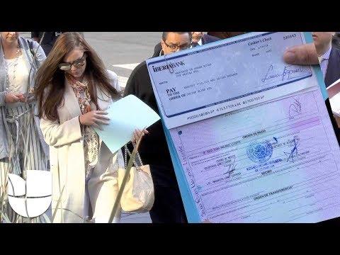 Marjorie de Sousa devuelve los cheques que le ha dado Julián Gil