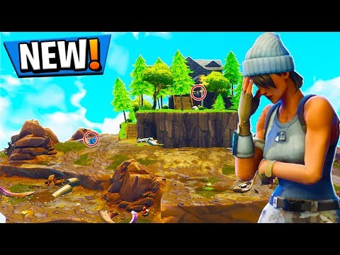 SKY ISLAND HIDE AND SEEK in Fortnite PLAYGROUND V2 MODE!  Fortnite Battle Royale