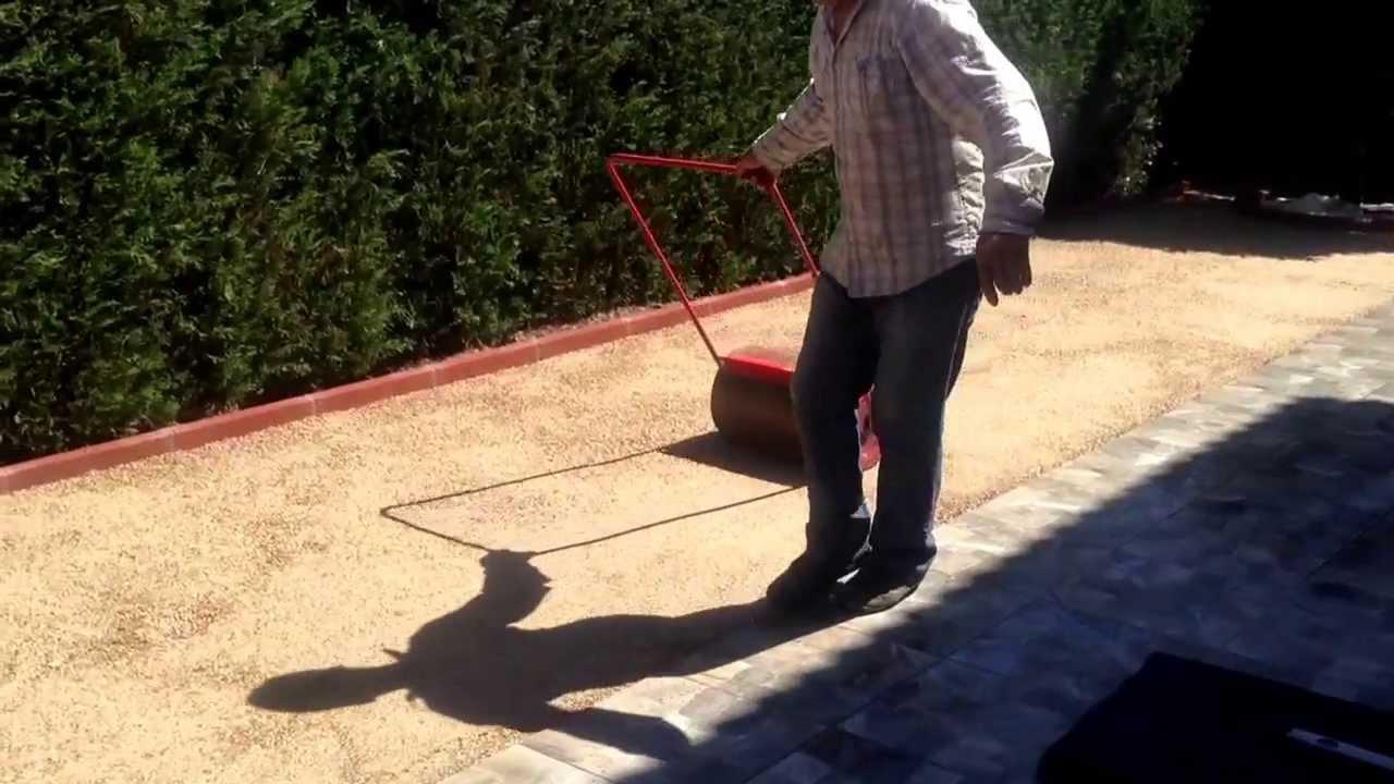 Compactaci n del terreno para instalar c sped artificial - Poner cesped artificial sobre tierra ...