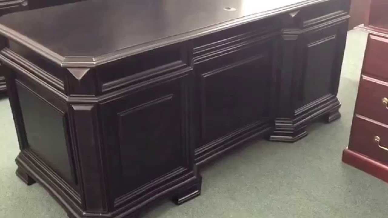 4456 917 Samuel Lawrence Lexington Executive Desk