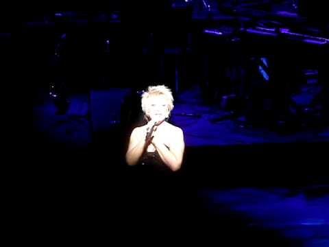 Elaine Paige I dreamed a dream   Theatre Royal Drury Lane London 08032009
