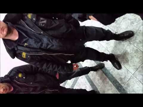 """В банк ВТБ ходить опасно , охранники ЧОП """"ЗУБР"""""""