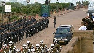 جثمان مانديلا يسجى في مقر الحكومة
