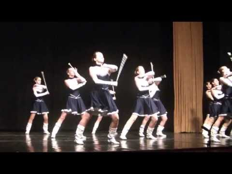 A tenger / The sea - Performance arts school adult majorette ensemble.