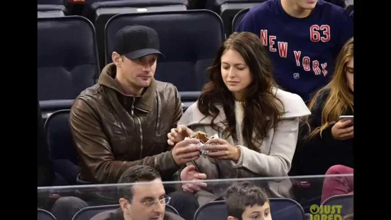 alexander skarsgard dating history Alexander, bill, and valter are also skarsgård joined the history channel's series vikings in gustaf skarsgård was in a long time relationship with actress.