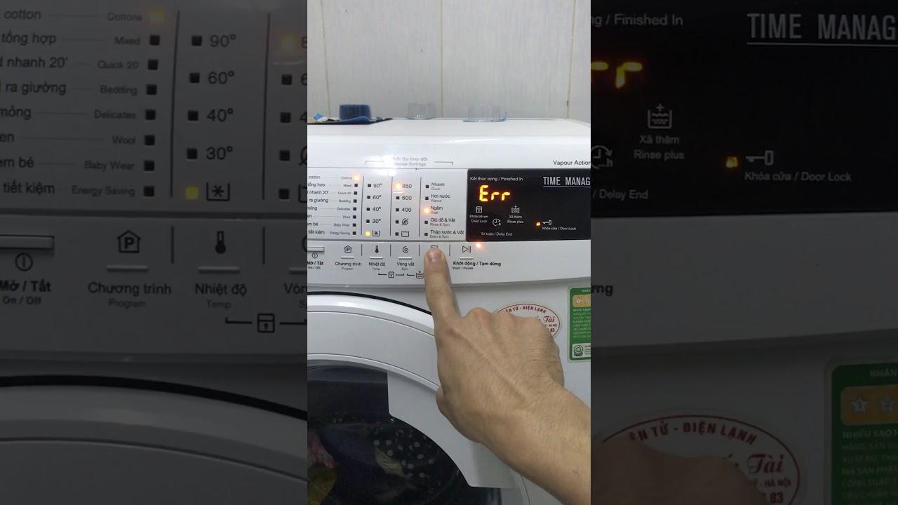 Máy giặt electrolux ewf85743 bị lỗi không giặt được và lỗi mở cửa