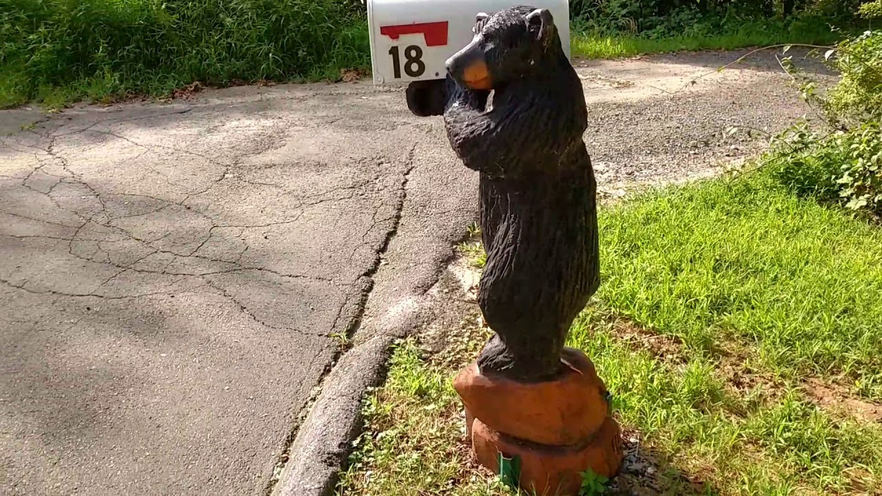 chainsaw carved mailbox bear