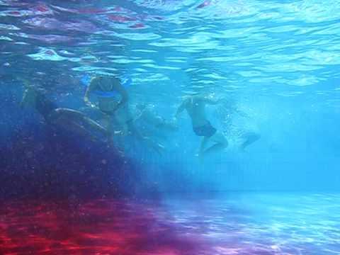 coloration de la piscine du snb besancon 22 aout 2009 sortie du colorant - Colorant Piscine