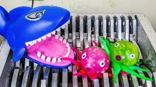 Shark Eats Octopus Baby! Shark Snapper Toy and Squishy Octopus Bath Toys Destroyed! Water Toys Slime