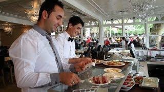 Emirgan Sütiş | serpme kahvaltı keyfi .. breakfast spread in emirgan