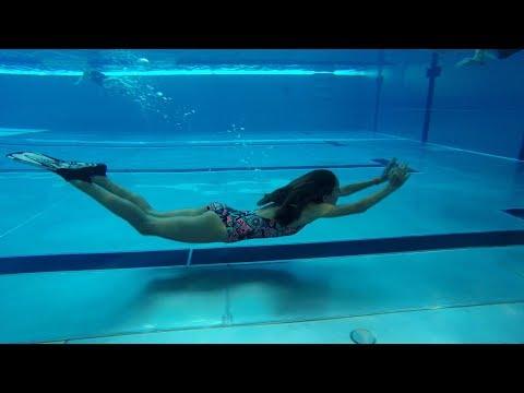 How to swim underwater like a Mermaid
