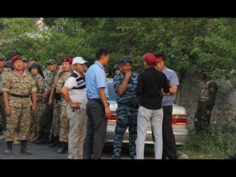 Баткен: Чек арада кайра ок атылып, жол жабылды (23-июль, Ак-Сай)
