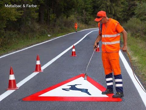 Segnaletica stradale orizzontale in termoplastico preformato (segnali stradali, frecce, parcheggi)
