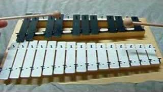 Playing GOLDON METALLOPHON - 01