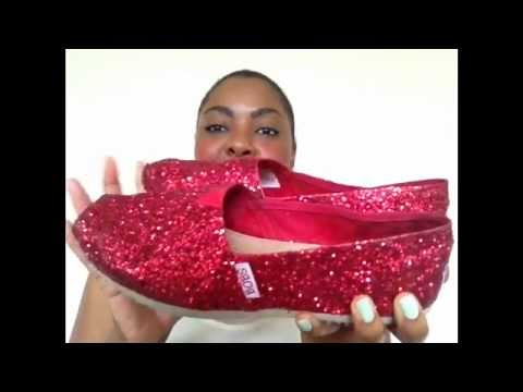 DIY: TOMS Inspired Glitter Shoes