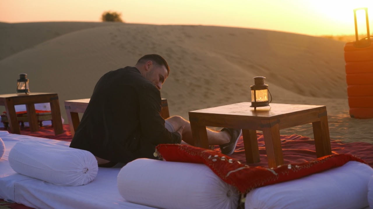 Rafał jeździł po pustyni autem, a Grześ walizką... [Bracia Collins biorą się do roboty]
