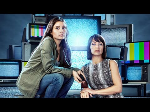 † UnReal † Star Shiri Appleby Teases Season 3, Says Rachel † Goes In and Out † of Drama