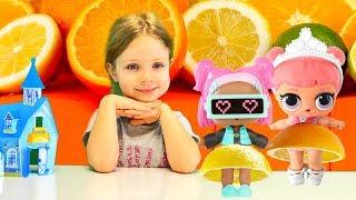 Как сделать платье для куклы ЛОЛ из фруктов | Поделки для детей своими руками Лайфхаки с куклами Лол