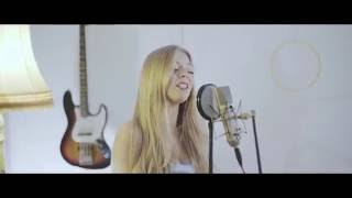 Becky Hill & Matoma - False Alarm (Becky Hill live session)