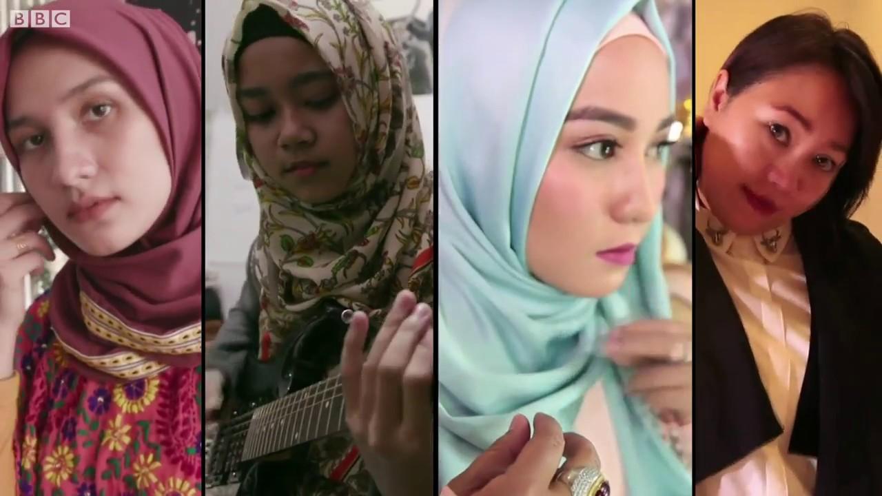 Vì sao nhiều phụ nữ Indonesia đeo khăn trùm đầu?