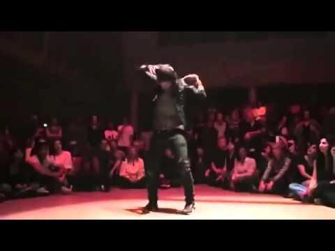 Жесть ! это самый крутой танцор в мире! просто не вероятно как он двигается