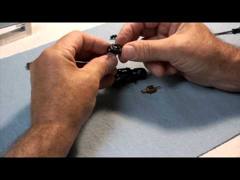 Viper V1 HO Slot Car RTR Chassis Assembly & Discussion