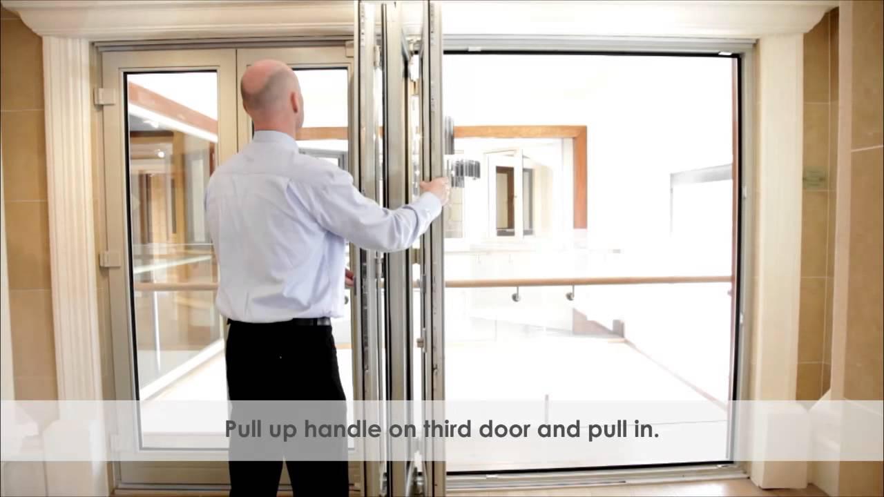 & Munster Bi Fold Door - Instruction - YouTube