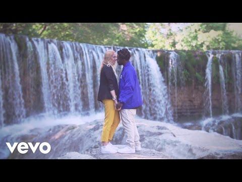 mz---ne-parlons-pas-d'amour-(clip-officiel)-ft.-chich