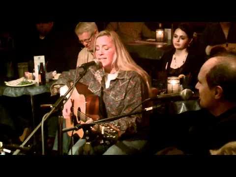 Susan Gibson sings