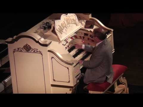 Phil Kelsall MBE. Tower Ballroom, Blackpool. Quickstep Selection. (HD)