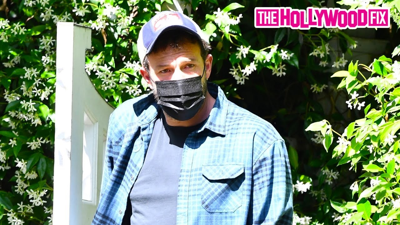 Ben Affleck Stops By His Ex Jennifer Garner's House After Returning From Miami To See Jennifer Lopez