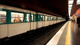Metro Paris: MF67 im Bhf. Havre - Caumartin auf der Linie 9
