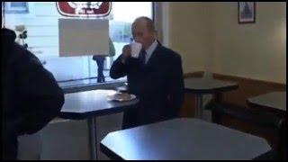 Путин зашёл в кафе прикол