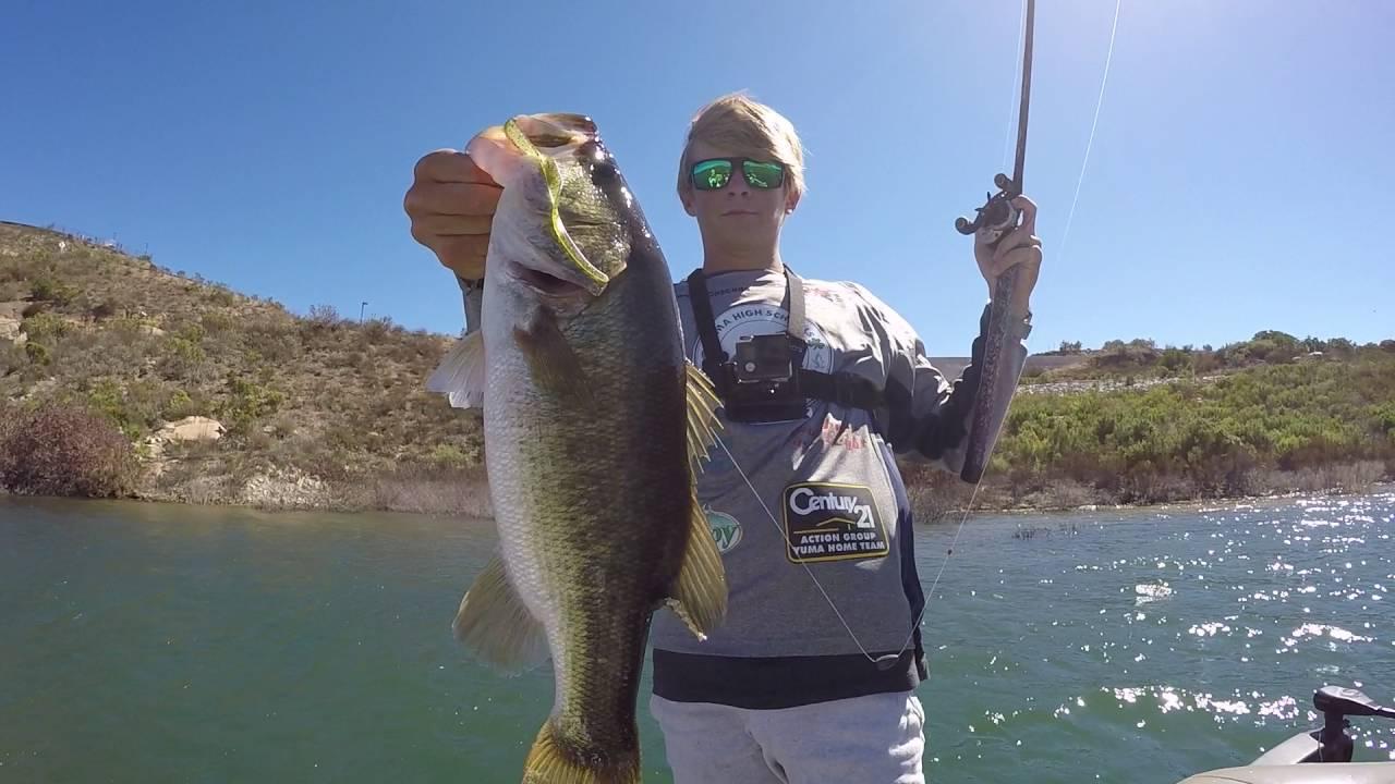 Bass fishing in lake san vicente youtube for San diego lake fishing report