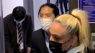 小室圭さん、帰国の途で空港に姿見せる 一礼し関係者通用口に入る