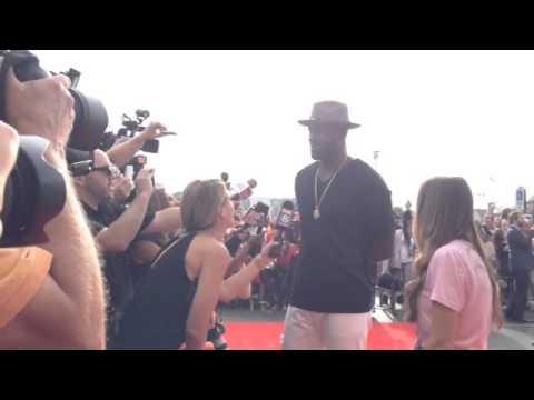 LeBron James walks red carept for Trainwreck screening